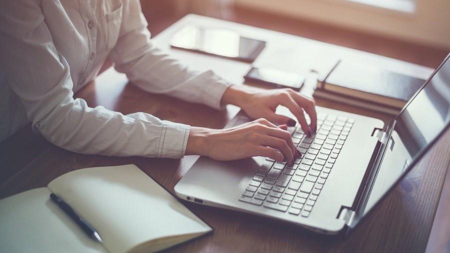 Texte schreiben für andere | So verdienst Du Geld damit