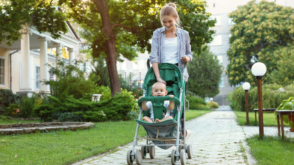 Nebenbei-Geld-verdienen-als-Babysitter