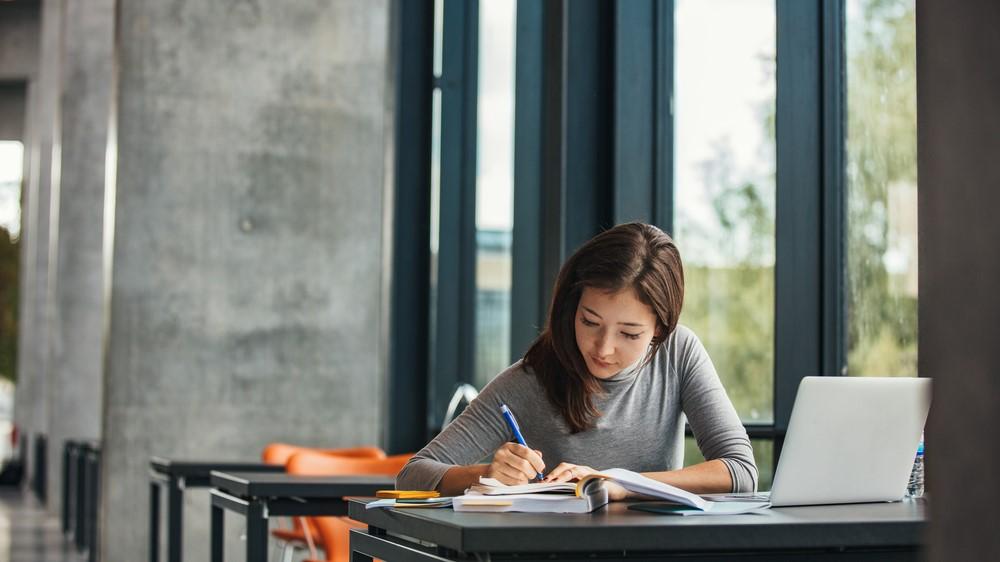 20 Jobs für Schüler mit denen Du sofort starten kannst