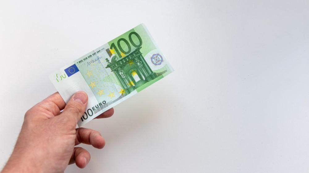 100 Euro investieren – 10 sinnvolle Möglichkeiten
