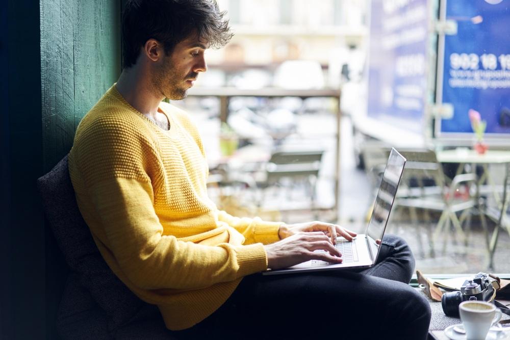 Passives-einkommen-als-student-mit-einem-Blog